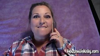 Housewife Kelly gets fucked while on phone with Mom